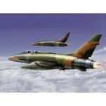 """NORTH AMERICAN F-100F """"SUPER SABRE"""" Maquette avion Trumpeter 1/72e"""