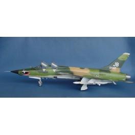 """REPUBLIC F-105G """"WILD WEASEL"""" - 1968 Maquette avion Trumpeter 1/32e U.S."""
