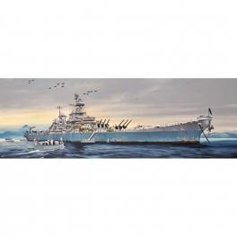 Maquette du Cuirassé USS Missouri 1/200e trumpeter.