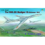 "TU-16K-26 ""BADGER"" G BOMBARDIER SOVIETIQUE A LONG RAYON D'ACTION Maquette avion Trumpeter 1/72e"