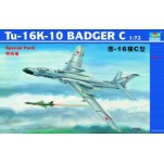 TU-16K-10 BADGER C BOMBARDIER A LONG RAYON D ' ACTION Trumpeter 1/72e