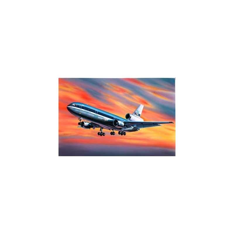 Maquette de  DC 10  MAC DONNELL DOUGLAS 320e Revell.