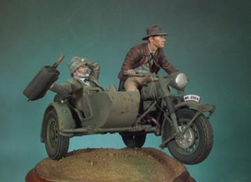 Andrea miniatures 54mm figure kits.The Escape.