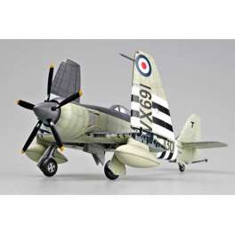 "HAWKER ""SEA FURY"" FB.11 . Maquette avion Trumpeter 1/48e"