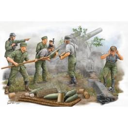 Trumpeter 1/35e Set de 5 figurines artilleurs Allemands en action.