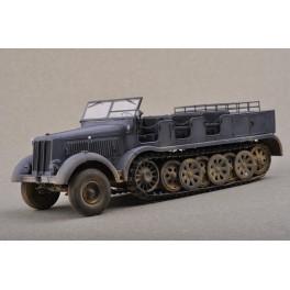 Trumpeter 1/35e Sd. Kfz 8 Schwerer Zugkraftwagen 12t.
