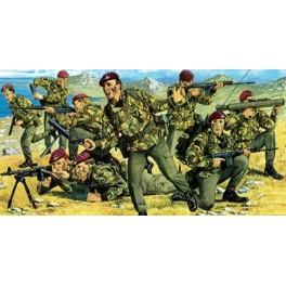 Figurine militaire TROUPES PARACHUTISTES BRITANNIQUES - (GUERRE DES MALOUINES 1982) Revell 1/72e.
