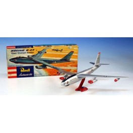 Maquette BOEING B 47 STRATOJET - SPECIAL 50 ANS ANNIVERSAIRE REVELL  Revell 1/110e.