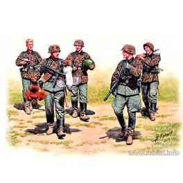 Waffen SS en maraude.Figurine Master Box 1/35e