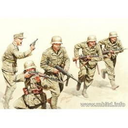 INFANTERIE DEUTSCHES AFRIKA KORPS A L'ASSAUT 1942 1/35e Master Box.