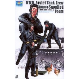 Set de 4 figurines. Tankistes soviétiques chargeant des munitions. Figurine Trumpeter 1/35e