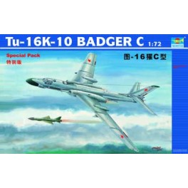 Trumpeter 1/72e TU-16K-10 BADGER C BOMBARDIER A LONG RAYON D ' ACTION