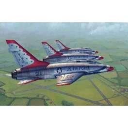 NORTH AMERICAN F-100D SUPER SABRE (sous livrée des Thunderbirds). Maquette avion Trumpeter 1/48e