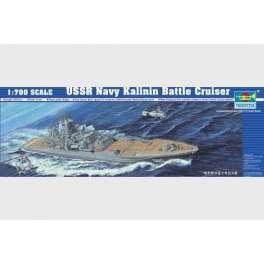 CROISEUR DE BATAILLE USSR KALININ. Maquette de navire de guerre. Trumpeter 1/700e